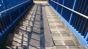 自転車用スロープ歩道橋